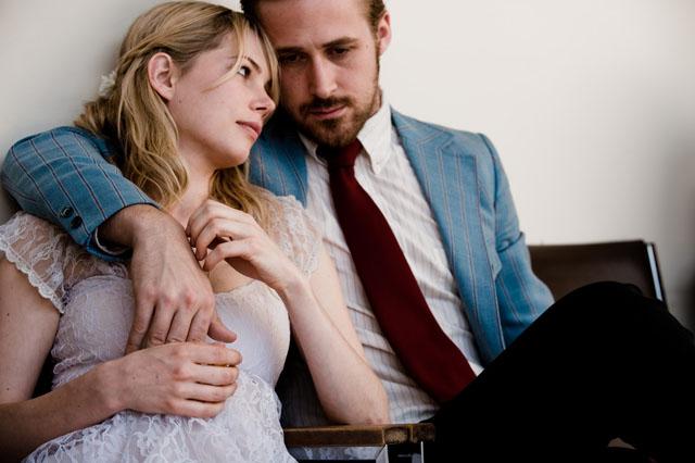 """תמונה של ריאן גוסלינג עם מישל וויליאמס מתוך """"בלו ולנטיין"""""""