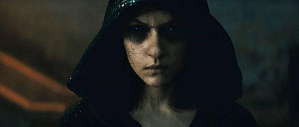 """תמונה של אליס ברגה מתוך """"הפולחן"""""""