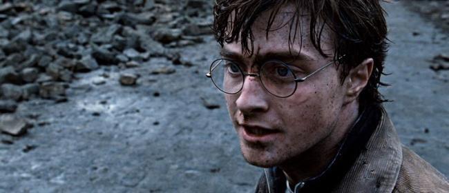 """""""הארי פוטר ואוצרות המוות: חלק שני"""". דניאל רדקליף."""