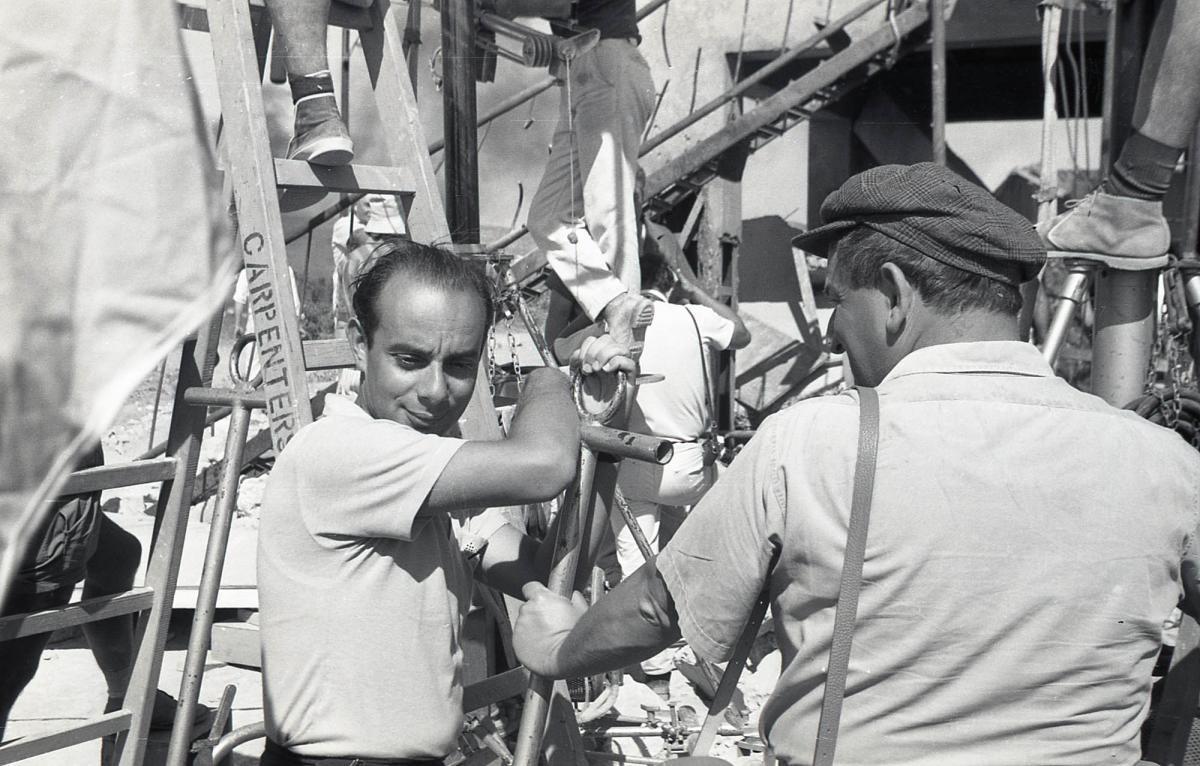 """תמונה של שרגא פרידמן עם אילן אלדד מתוך """"יהודית"""""""