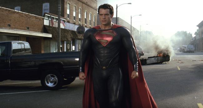 """""""סופרמן: איש הפלדה"""". הנרי קביל."""