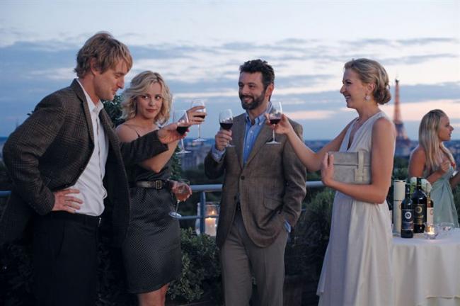 """""""חצות בפריז"""". נינה אריאנדה, מייקל שין, רייצ'ל מק'אדמס, אוון ווילסון."""
