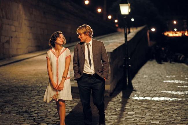 """""""חצות בפריז"""". אוון ווילסון, מריון קוטיאר."""