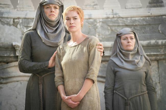 """""""משחקי הכס"""". לנה הידי מתוך הפרק זוכה שני הפרסים """"רחמיה של אם"""" (Mother's Mercy)"""