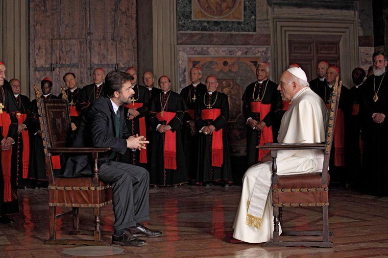 """תמונה של מישל פיקולי עם נני מורטי מתוך """"יש לנו אפיפיור"""""""