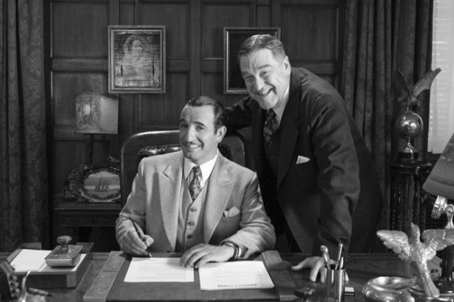 """""""הארטיסט"""". ג'ון גודמן (מימין) עם ז'אן דוז'ארדין."""