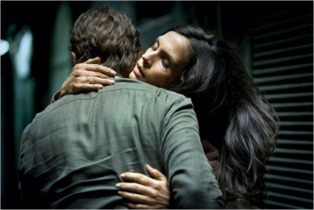 """תמונה של פמקה ג'נסן מתוך """"חטופה 2"""""""