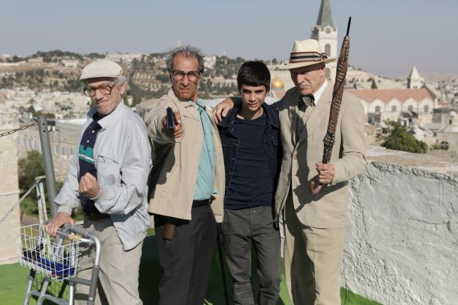 """""""לצוד פילים"""". מימין: פטריק סטיוארט, גיל בלנק, ששון גבאי ומוני מושונוב. צילום: ורד אדיר"""