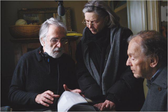 """תמונה של עמנואל ריבה עם מיכאל הנקה, ז'אן-לואי טרינטיניאן מתוך """"אהבה"""""""