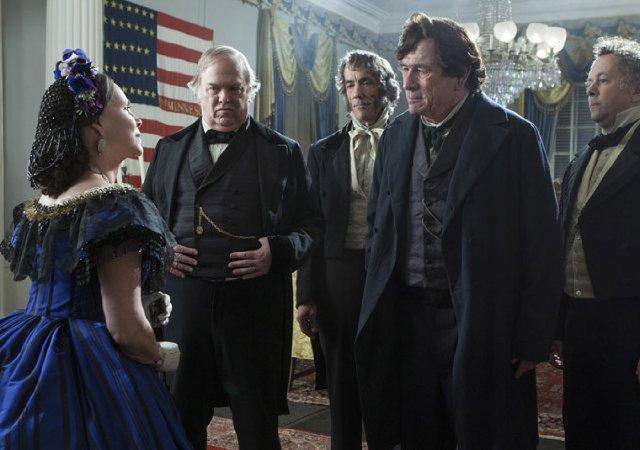 """""""לינקולן"""". טומי לי ג'ונס, סאלי פילד."""