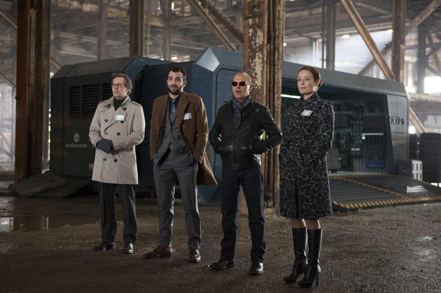 """תמונה של ג'ניפר אילי עם גארי אולדמן, ג'יי ברושל, מייקל קיטון מתוך """"רובוקופ"""""""