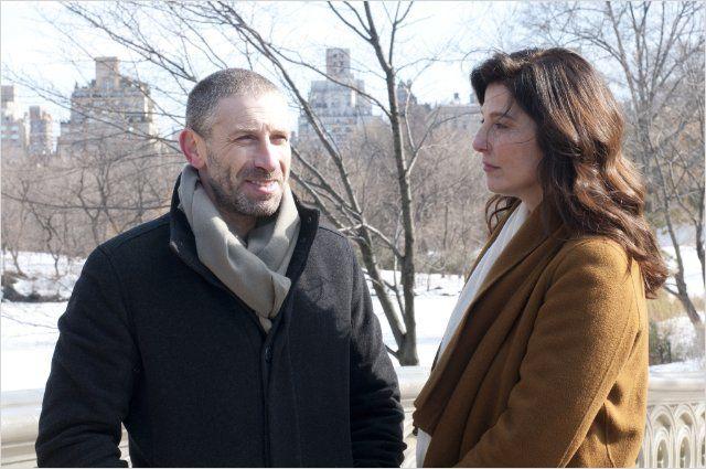 """תמונה של קתרין קינר עם מארק איווניר מתוך """"כלים שלובים"""""""