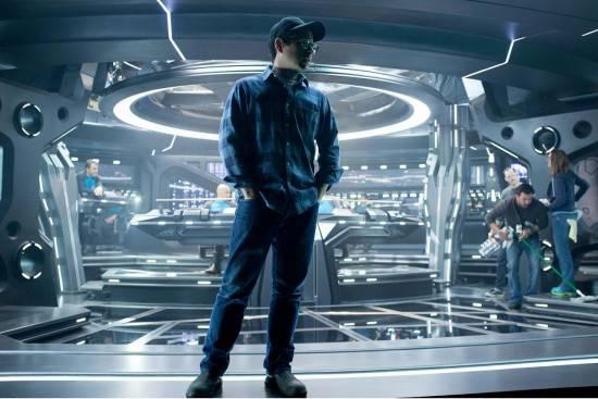 """תמונה של ג'יי-ג'יי אברמס מתוך """"סטארטרק 2: האויב בתוכנו"""""""