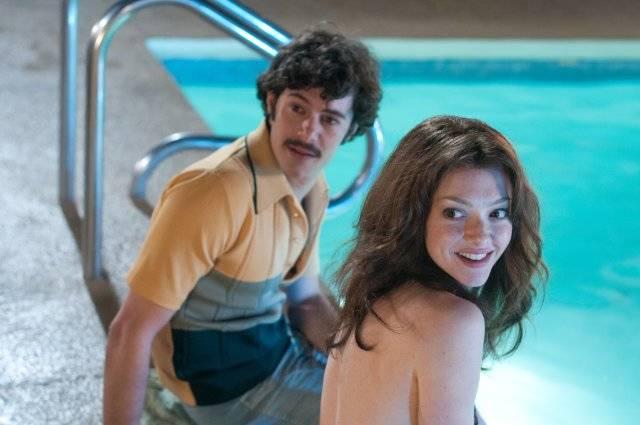 """תמונה של אדם ברודי עם אמנדה סייפריד מתוך """"לאבלייס"""""""