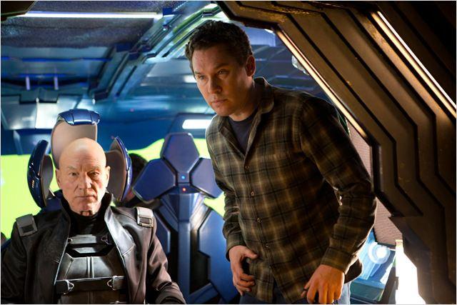 """תמונה של פטריק סטוארט עם בריאן סינגר מתוך """"אקס-מן: העתיד שהיה"""""""