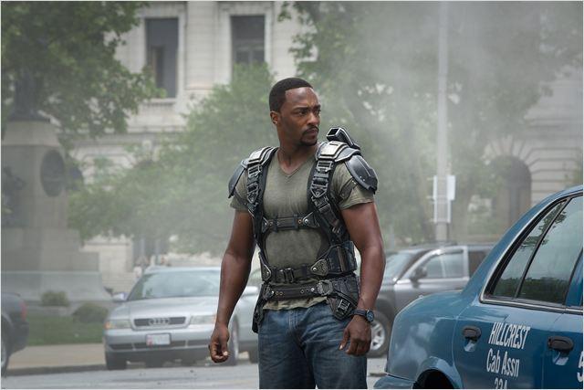 """""""קפטן אמריקה 2: חייל החורף"""". אנתוני מקי."""