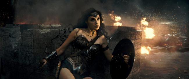 """""""באטמן נגד סופרמן: שחר הצדק"""". גל גדות."""