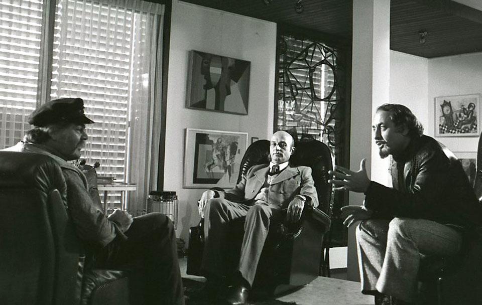 """תמונה של יוסי יבלונקה עם יאיר רובין, ראובן בר-יותם מתוך """"יהיה טוב סלמוניקו"""""""
