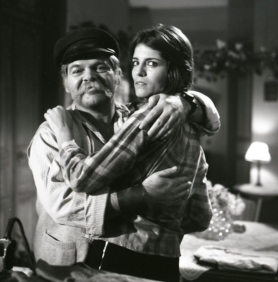 """תמונה של יונה אליאן עם ראובן בר-יותם מתוך """"יהיה טוב סלמוניקו"""""""