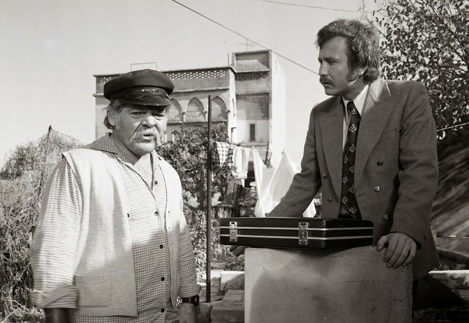 """תמונה של יוסי יבלונקה עם ראובן בר-יותם מתוך """"יהיה טוב סלמוניקו"""""""