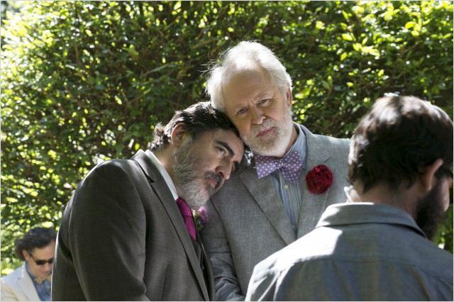 """תמונה של אלפרד מולינה עם ג'ון לית'גו מתוך """"אהבה היא מוזרה"""""""