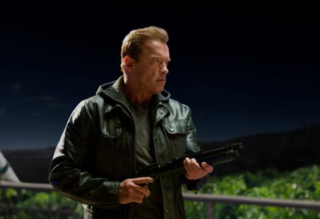 """""""שליחות קטלנית: ג'נסיס"""". ארנולד שוורצנגר."""