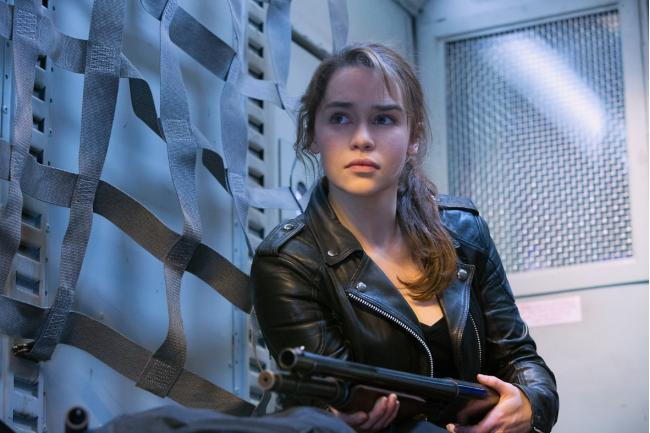 """""""שליחות קטלנית: ג'נסיס"""". אמיליה קלארק."""