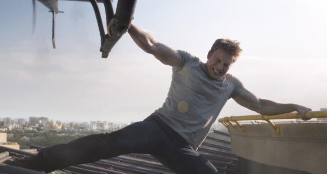"""""""קפטן אמריקה 3: מלחמת האזרחים"""". כריס אוואנס."""