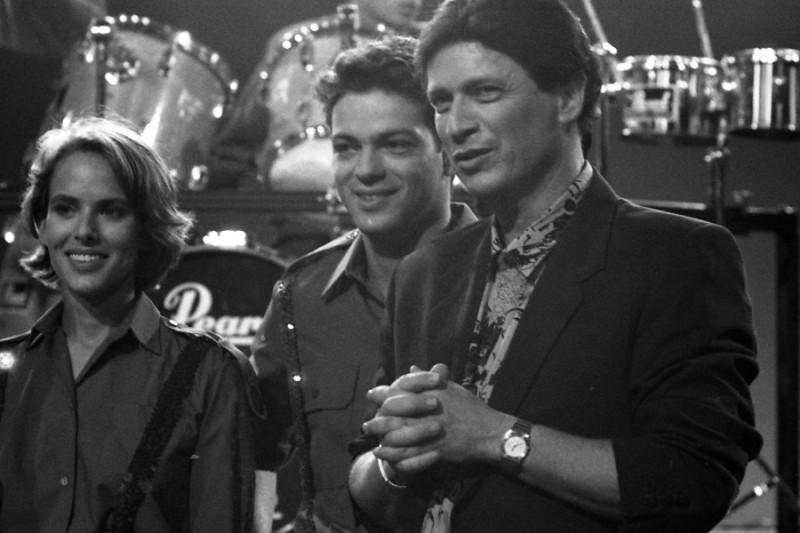 """תמונה של ששי קשת עם אקי אבני, תום יואל מתוך """"ללקק ת'תות"""""""