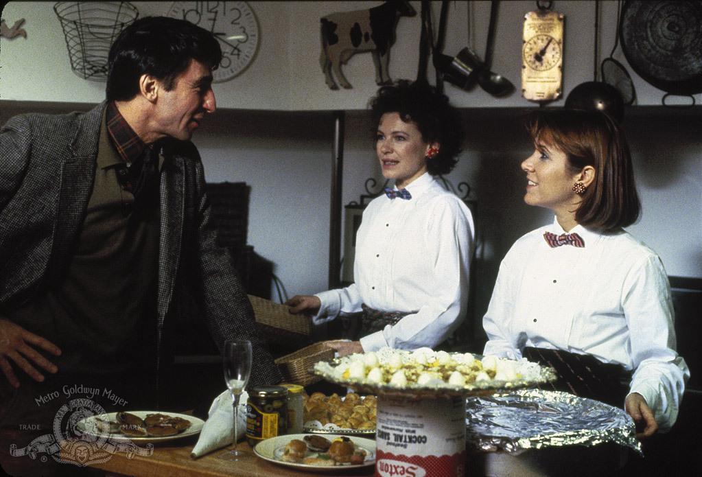 """תמונה של דיאן ווייסט עם קארי פישר, סאם ווטרסטון מתוך """"חנה ואחיותיה"""""""
