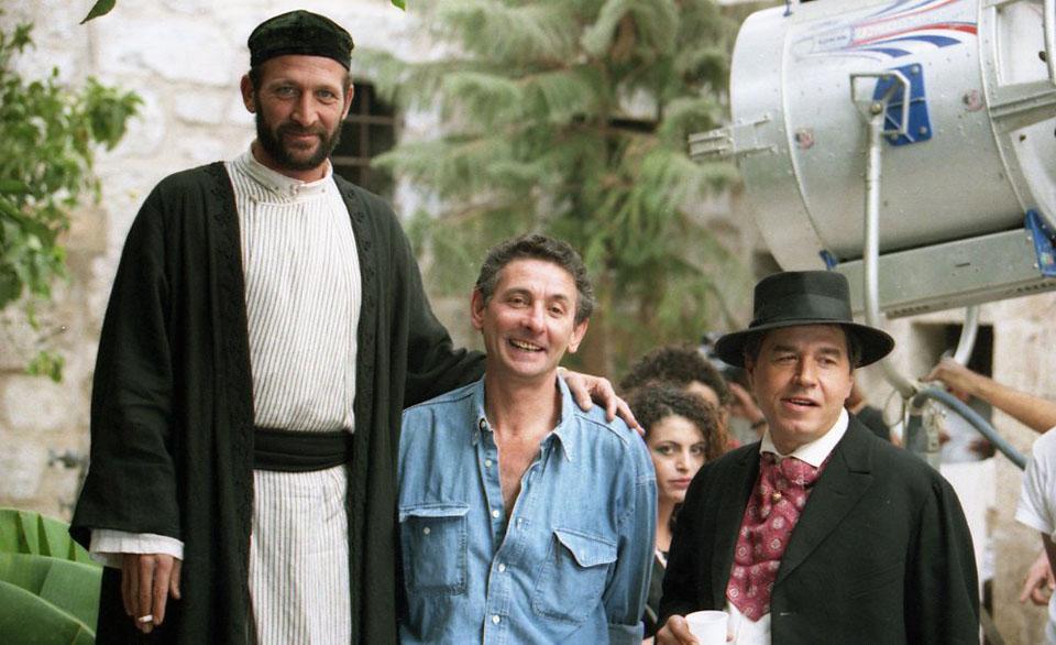 """תמונה של שרגא הרפז עם עמוס לביא, מיכאל שרפשטיין מתוך """"נשים"""""""