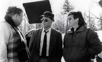מימין לשמאל: גון יוז, סטיב מרטין, גון קנדי. מתוך תקועים בדרך.