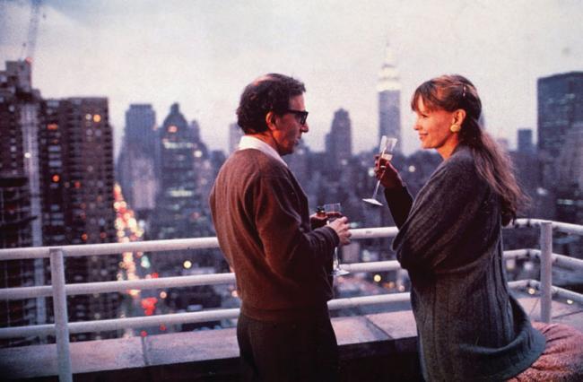 """""""סיפורי ניו יורק"""". מיה פארו, וודי אלן."""