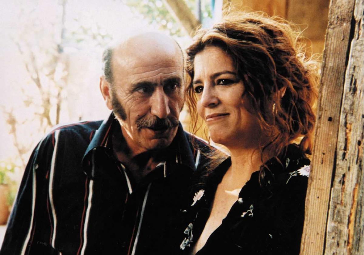 """תמונה של יונה אליאן עם יוסף שילוח מתוך """"כיכר החלומות"""""""
