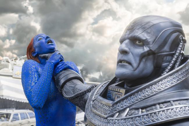 """""""אקס-מן: אפוקליפסה"""". אוסקר אייזק, ג'ניפר לורנס."""