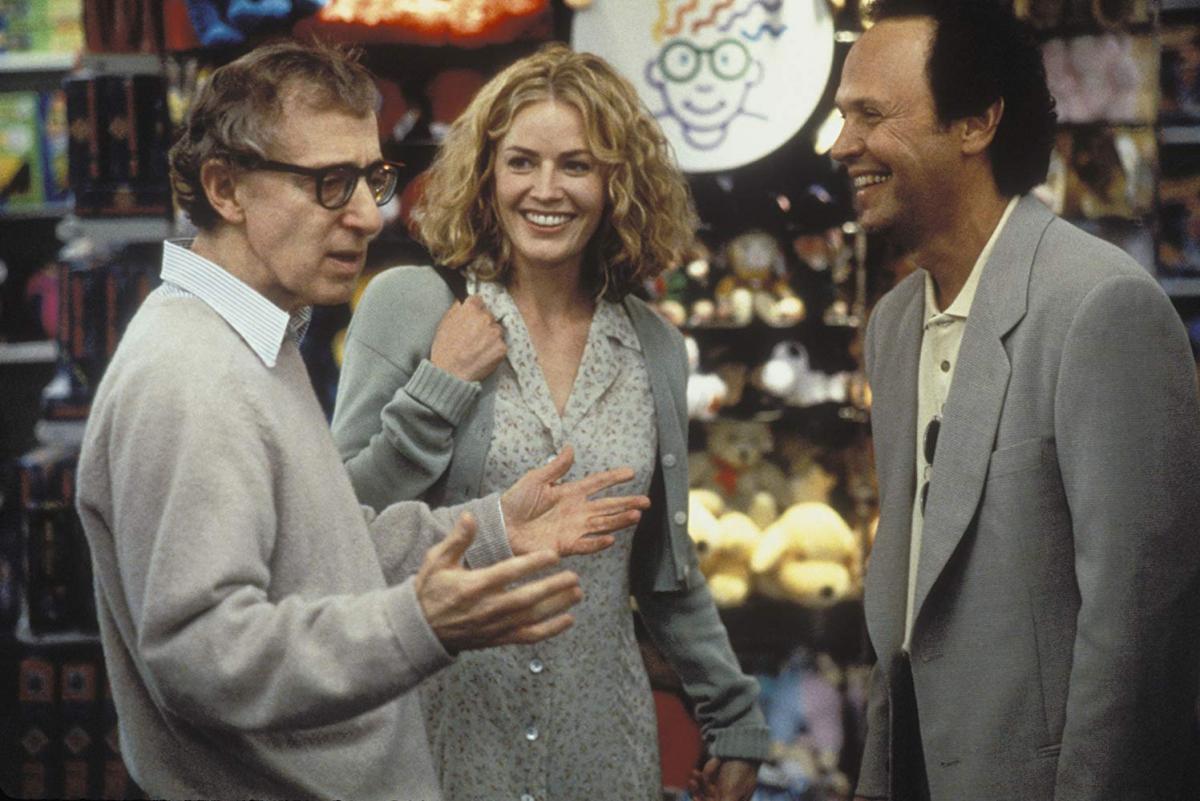 """תמונה של בילי קריסטל עם אליזבת' שו, וודי אלן מתוך """"לפרק את הארי"""""""