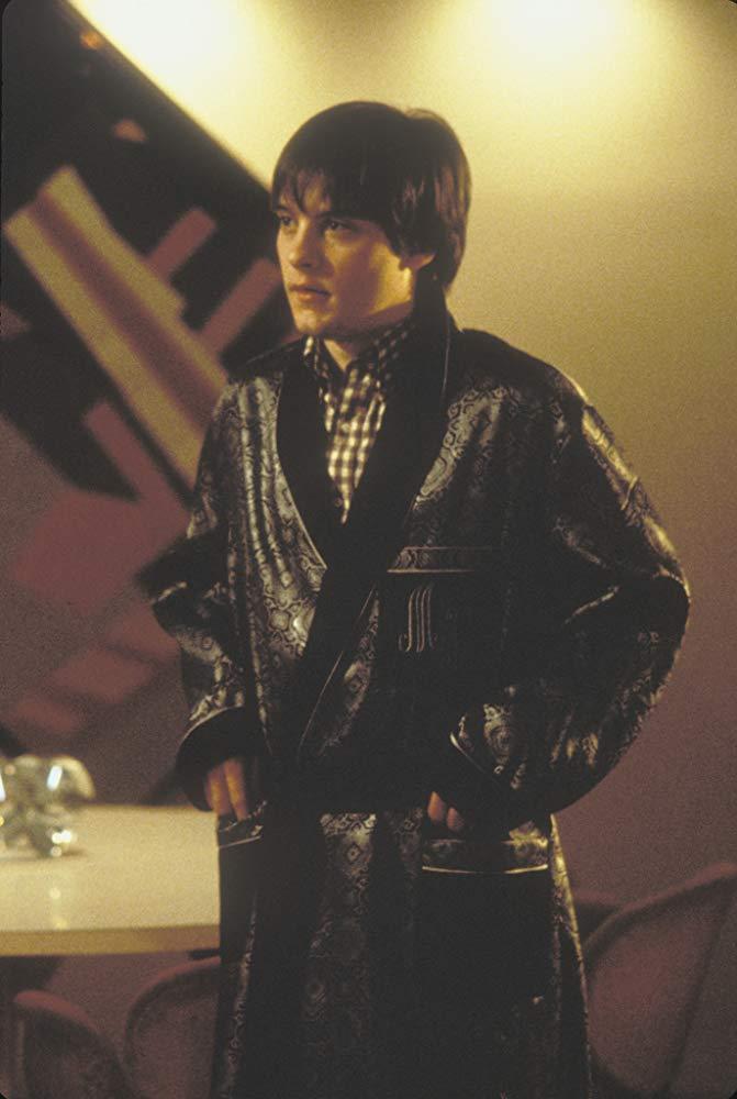 """תמונה של טובי מגוואייר מתוך """"לפרק את הארי"""""""