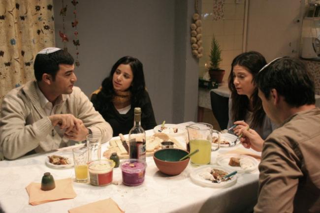 מימין: טלי שרון, שרון פאוסטר ועמוס תמם. מתוך סרוגים, סדרת הדרמה הטובה ביותר לשנת 2009.