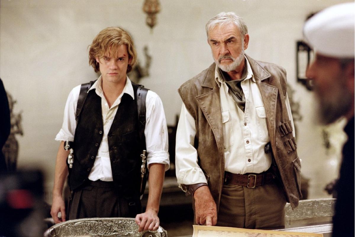 """תמונה של שון קונרי עם שיין ווסט מתוך """"ג'נטלמנים מובחרים"""""""